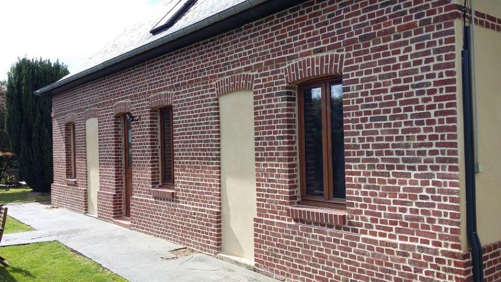 Restauration des fa ades d 39 une maison en briques illeville for Restauration facade maison